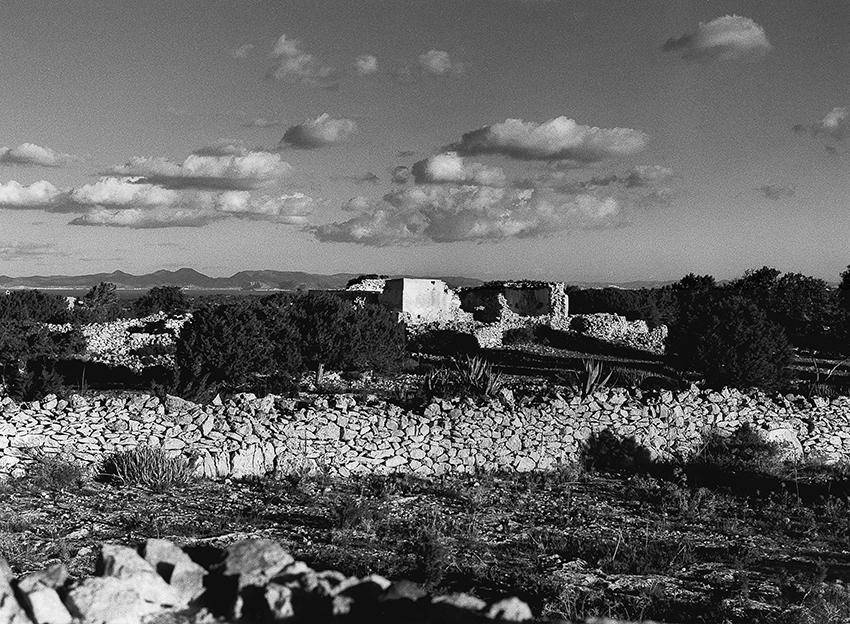 Der Himmel Formentera über Formentera Ruine Blick Richtung Ibiza