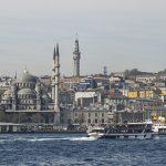City Galerie Istanbul, Marrakech, Lissabon Blick vom Wasser auf Moschee