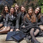 Coimbra Universitätsstadt - Lissabon Notizen Coimbra Studentinnen
