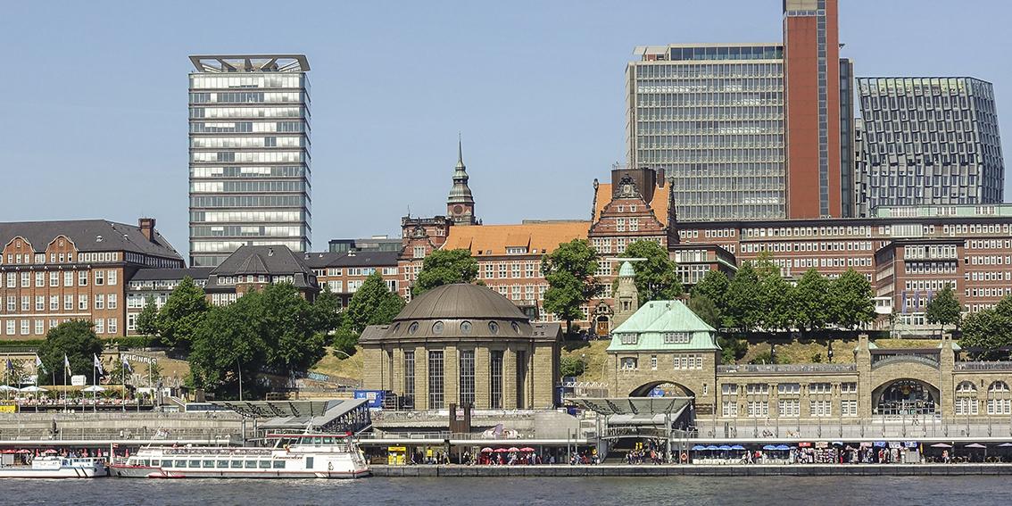 Alter Elbtunnel St. Pauli - Hamburg Blick von Steinwerder