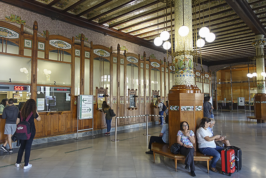 Esstation Nord Valencia, die lebendige Stadt am Mittelmeer