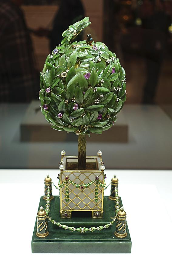 Zarenstadt Sankt Petersburg - Fabergé - Katharinenpalast Fabergé Bäumchen