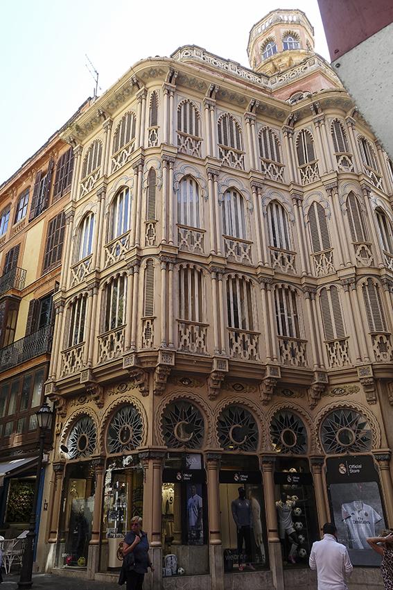 PALMA de Mallorca ein Kulturausflug Jugendstilhaus