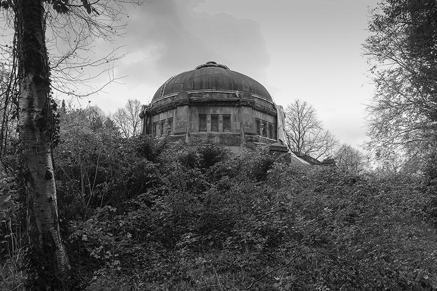 Ohlsdorfer Friedhof Mausoleum und Natur