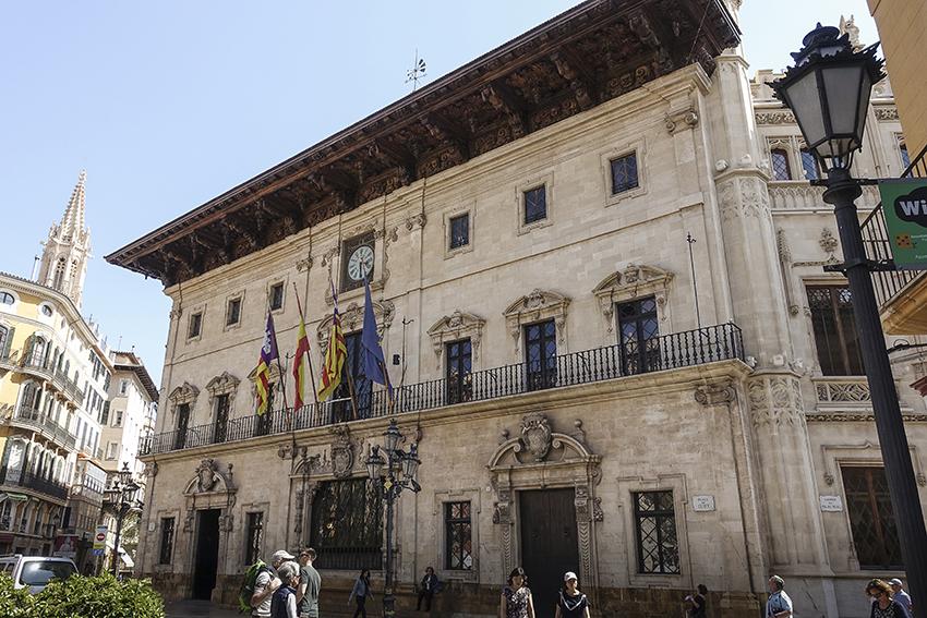 PALMA de Mallorca ein Kulturausflug Rathhaus Palma